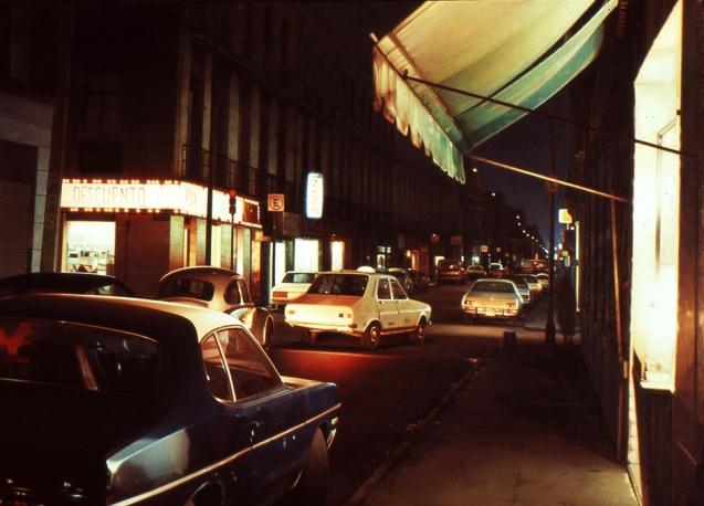 Gniewek_Descuento-Farmacia_1983_oil-on-linen